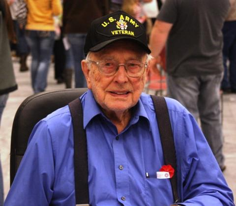 World War II veteran R. V. Gibbs enjoing the Verterans' Program.