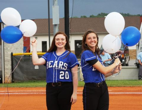Seniors Emily Rich and Kassie Phelps