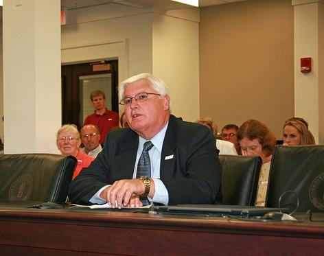 Mark Haney, president of Kentucky Farm Bureau, testifies in Frankfort before the Kentucky Livestock Care Standards Commission.