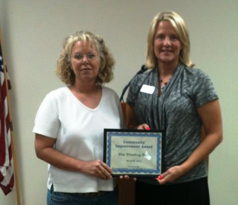 Brenda Brooks of Aberdeen Trading Post and Chamber President Jamie Chaney