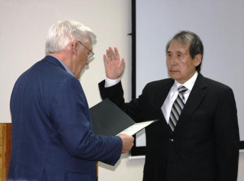 Butler County Judge Executive David Fields and Dr. Richard Wan