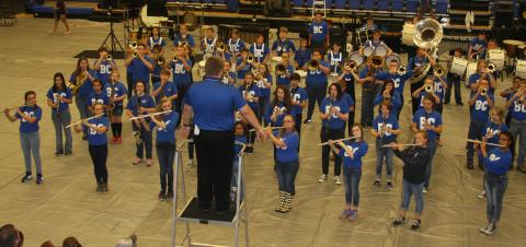 Butler County Middle School Band performs the National Anthem.