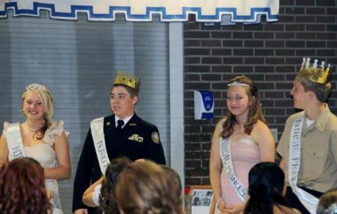 Caitlynn Price (Junior), Austin Searles (Senior, XO), Ciara Bolden (Sophomore), Cameron Price (Freshman).